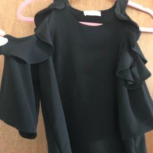 Tops - Cold shoulder black top